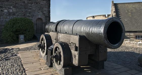A view of Mons Meg on the battlements of Edinburgh Castle.