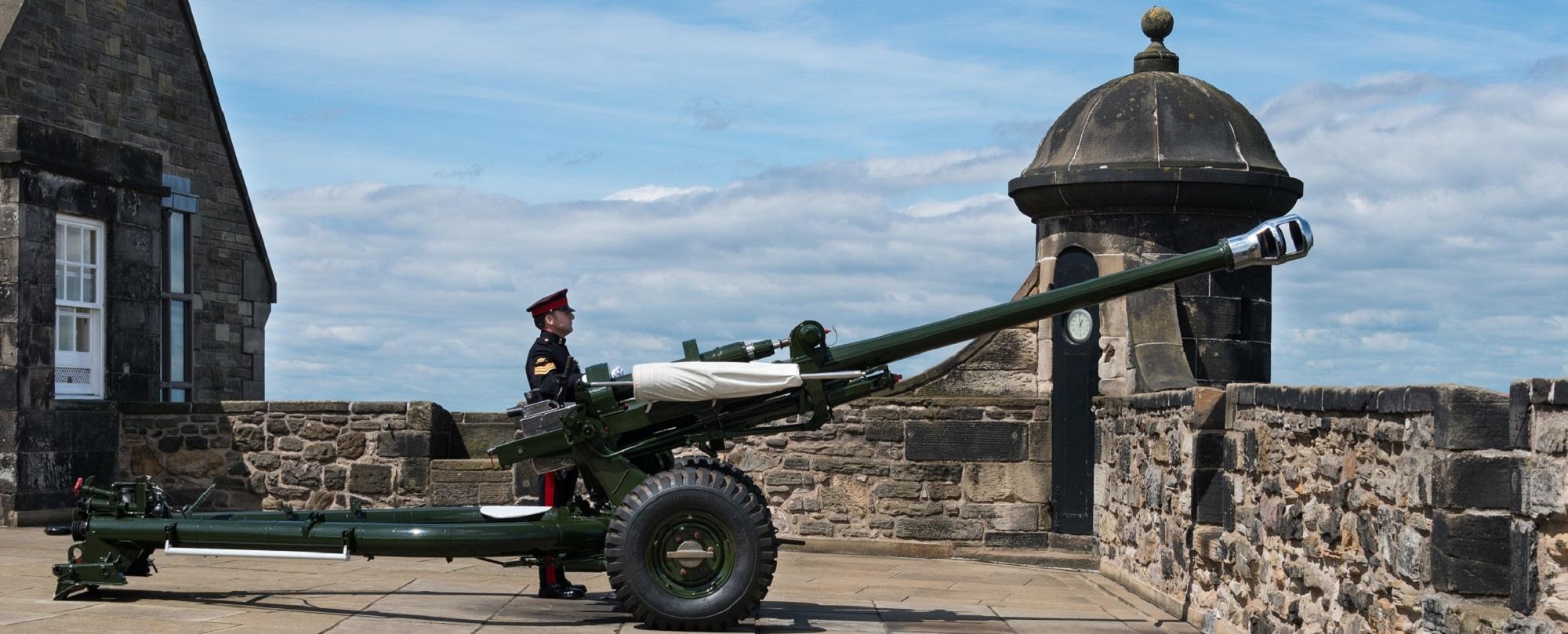 A soldier preparing to fire the One O'Clock gun at Edinburgh Castle