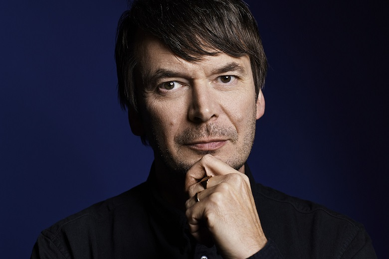 Photo portrait of author Ian Rankin