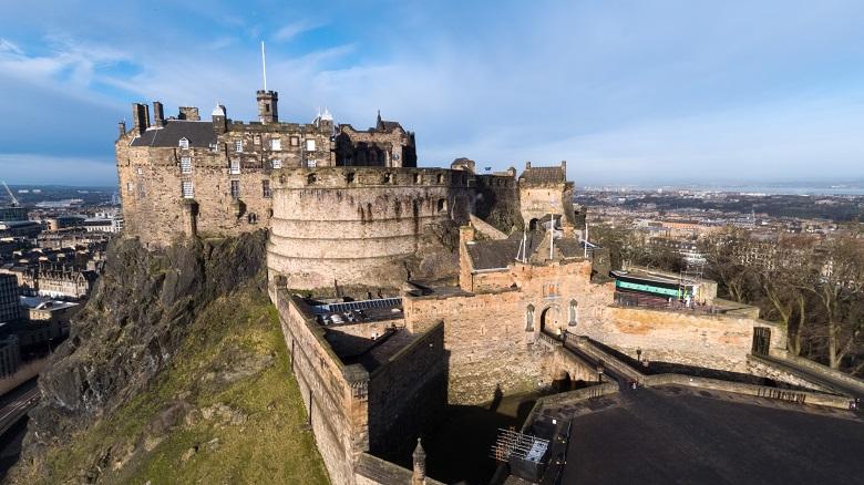 A drone photo of Edinburgh Castle and its defences